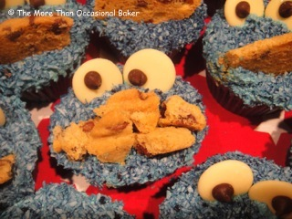how to make blue icing for cookie monster cupcakes