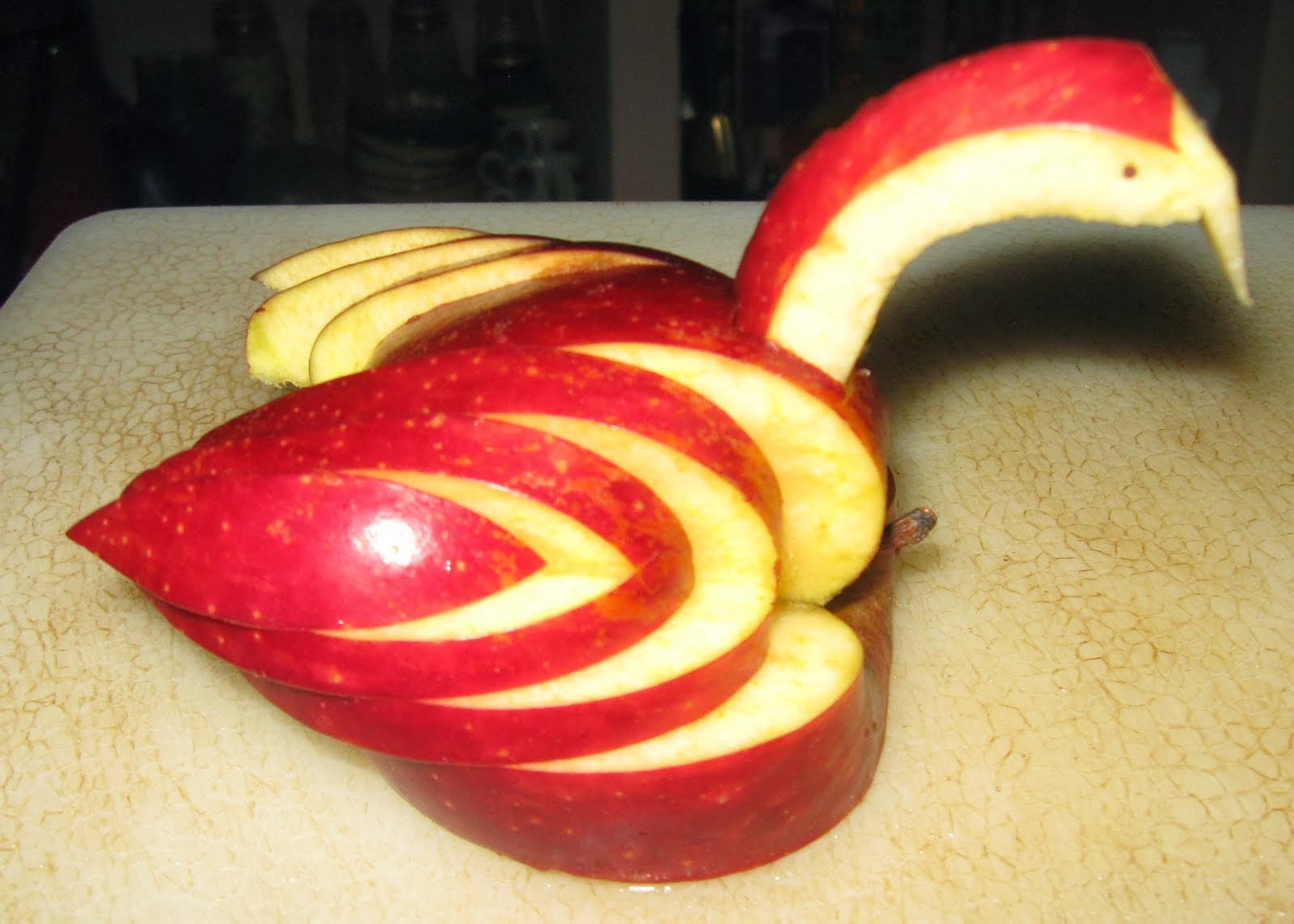 Как из яблока сделать