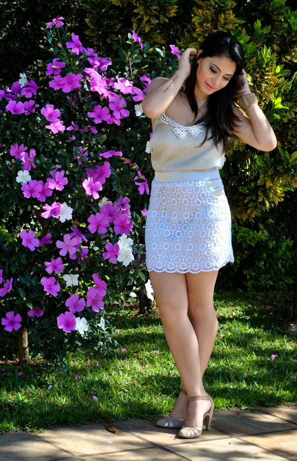 look handmade - saia de renda - blusa com aplique de laço e pérolas