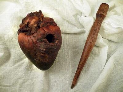 Inilah Jantung Vampire Asli Yang Di Jual Di Ebay