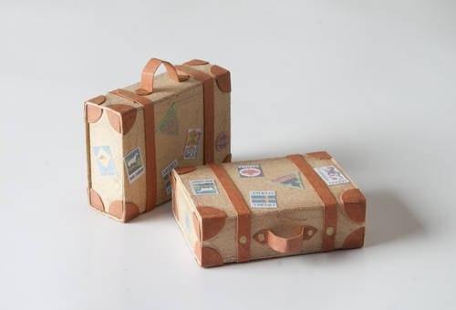 Как сделать чемодан для кукол из коробки