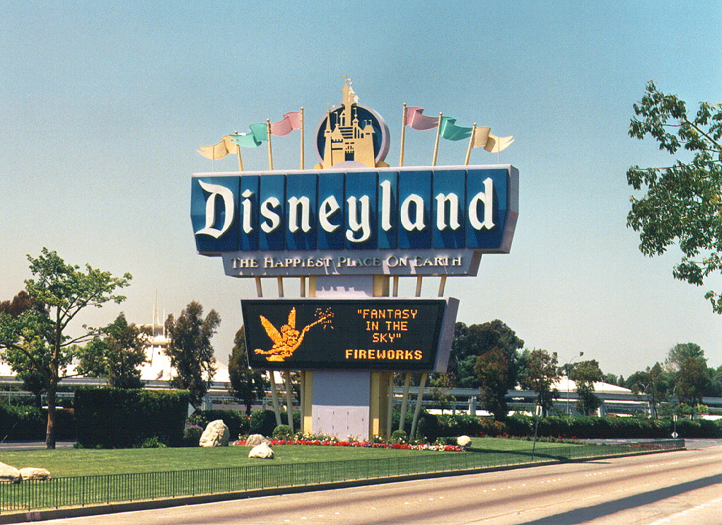 mall as disneyland Discover a new standard for hotels in anaheim book your stay at the hilton anaheim enjoy unsurpassed hospitality with all the amenities you expect.