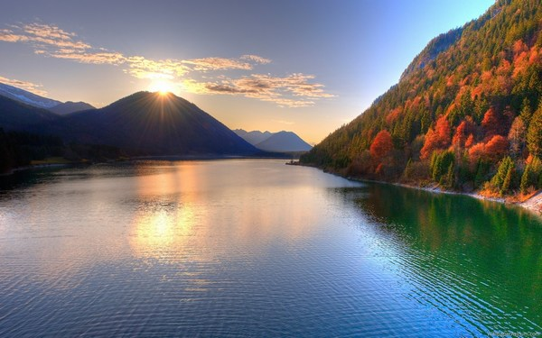 Beautiful Lake Sunrise Scenery Images