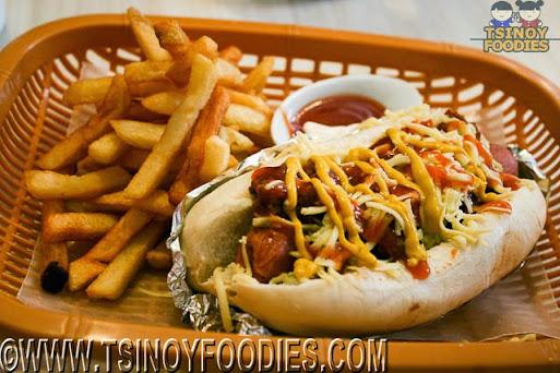 chili hotdog