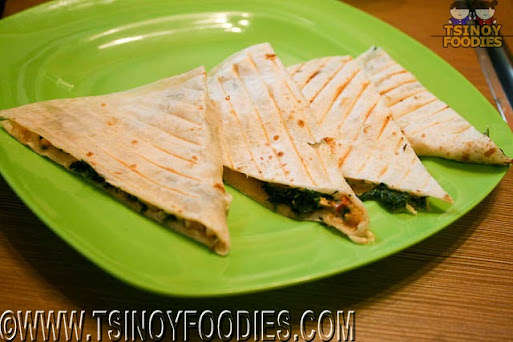 spinach and chicken quesa