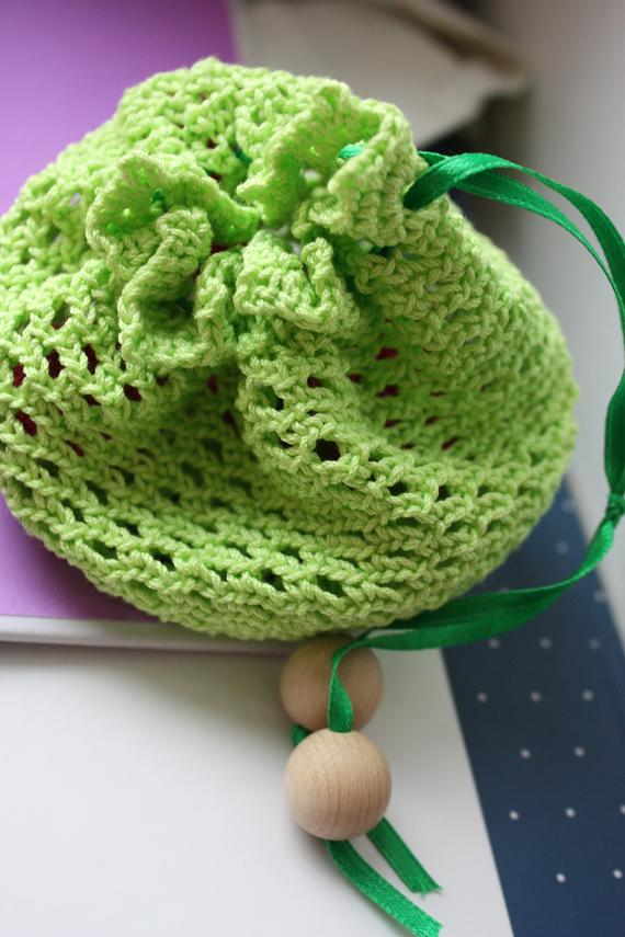 sac-+cadeau-+crochet-crocheted-gift-bag.JPG