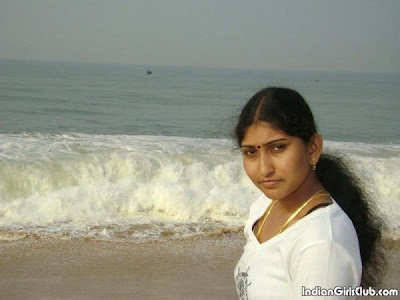 http://2.bp.blogspot.com/_--Od9inInLU/TH1S9Kmy_rI/AAAAAAAAAi8/LSydmvSNMtY/s640/south-indian-aunty-at-chennai-marina-beach-600x450.jpg