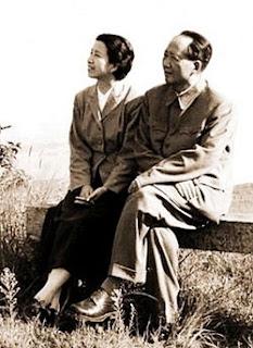 external image 250px-Jiang_Qing_(Madame_Mao_Zedong)_03.JPG