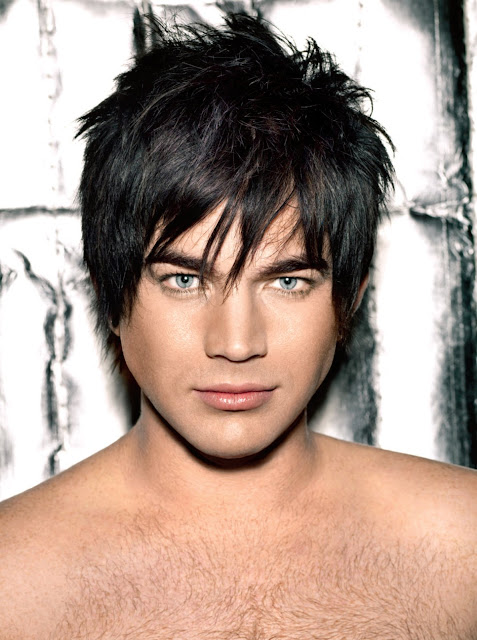 Adam Lambert bare no make-up