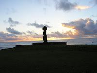 Atardecer, moai, Isla de Pascua, Easter Island, vuelta al mundo, round the world, La vuelta al mundo de Asun y Ricardo