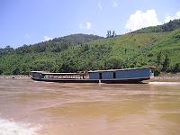 río mekong, Laos, entrevista la vuelta al mundo.net, blog la vuelta al mundo.net,vuelta al mundo, round the world, información viajes, consejos, fotos, guía, diario, excursiones