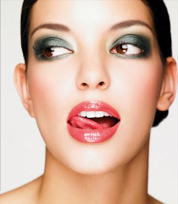 how to smokey eye makeup. smokey eyes make up.