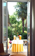 - C  A  S  A  B  E  L  L A -   LESA-Lago Maggiore Bed and Breakfast