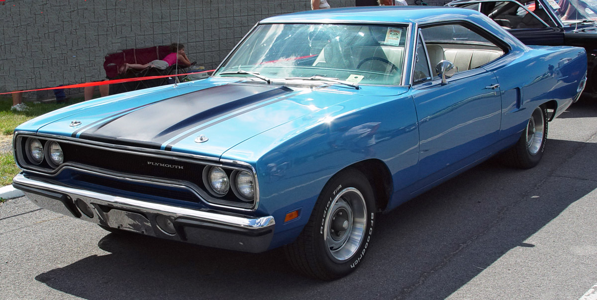 Plymouth Roadrunner Blue Front Angle