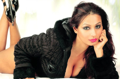 Kashmira Shah boobs