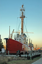 Portsmouth Lightship &amp; Naval Shipyard Museum