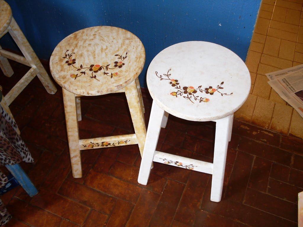 Ateliê Verônica dos Santos: Pintura em madeira (banquinhos) #6C3814 1024x768