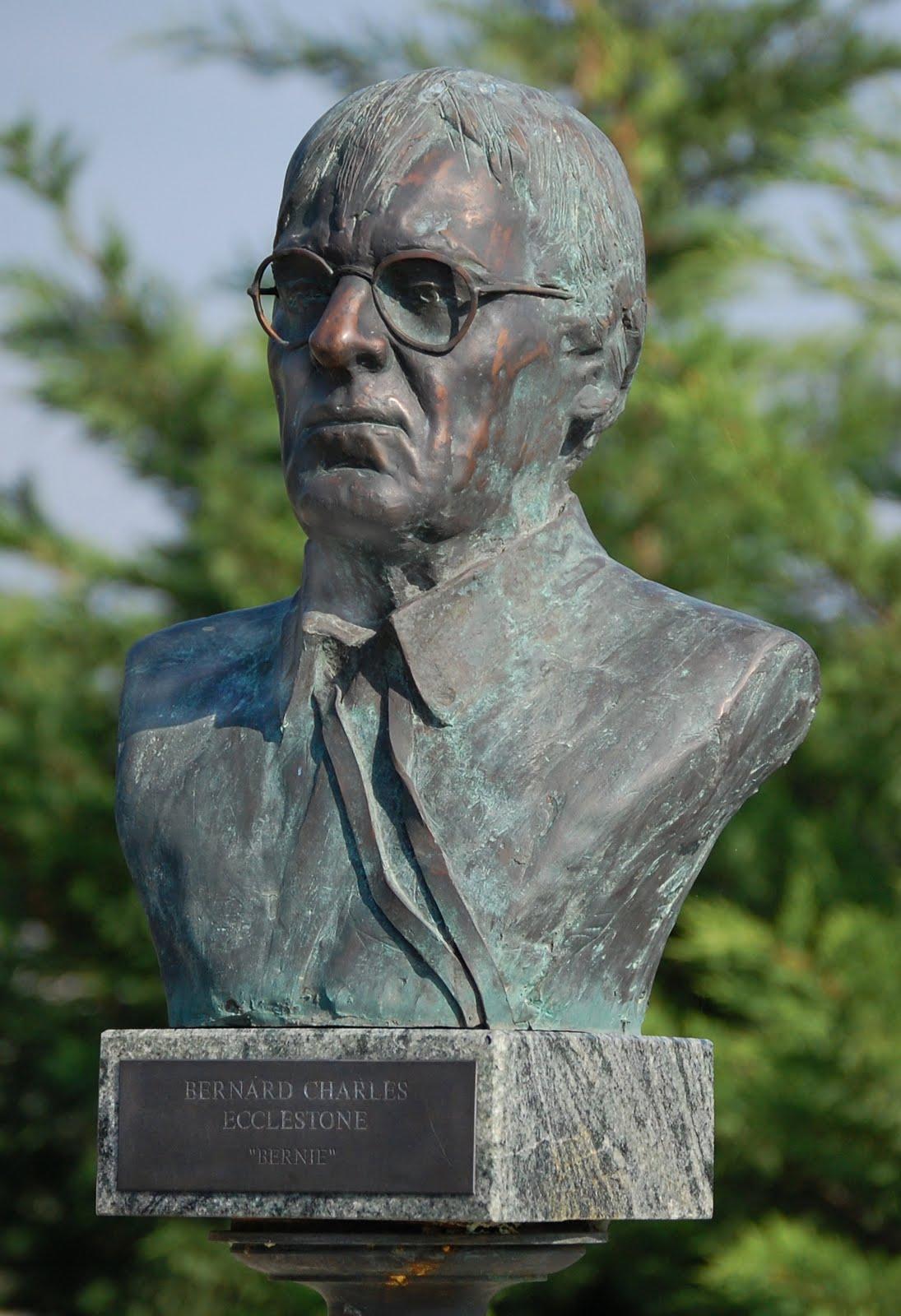 http://2.bp.blogspot.com/_-9T5C75kdKk/S78Lcr0WDfI/AAAAAAAACBQ/aEaLRqStJBA/s1600/Bernie_Charles_statue.jpg