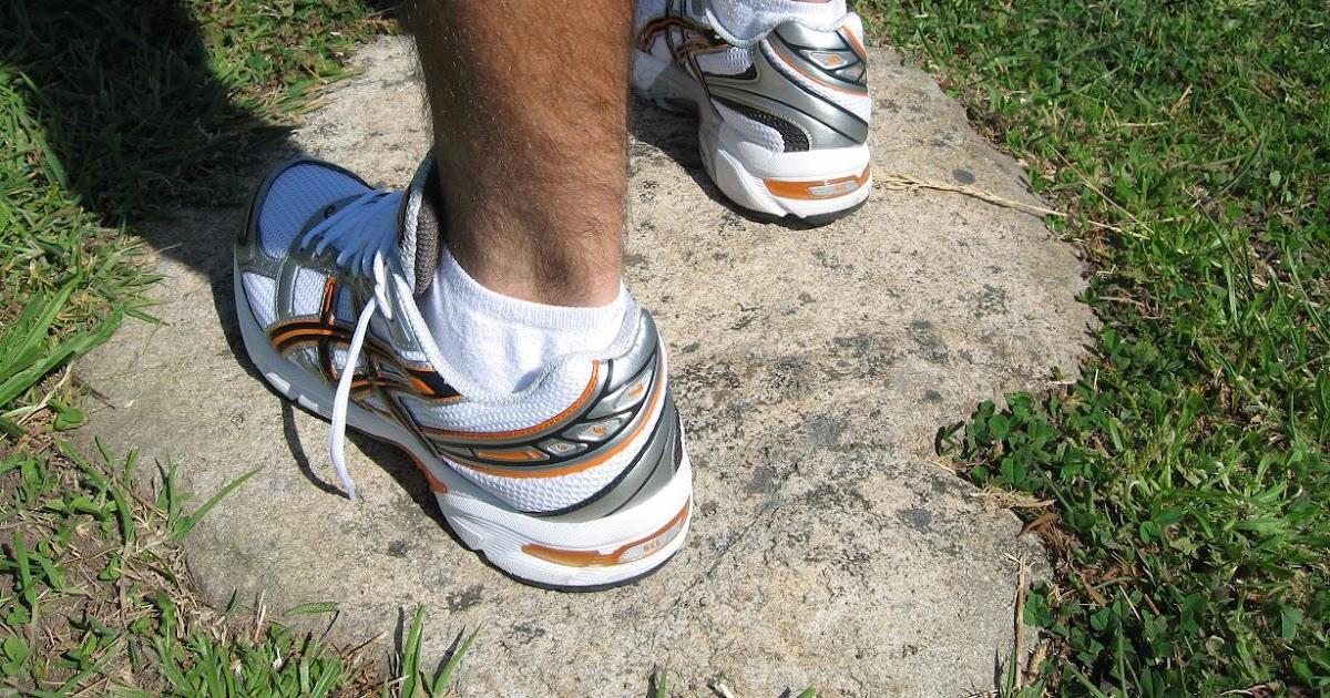 Zapatillas Deportivas Asics De Mujer Color Berenjena