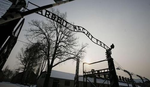 Encontram-se documentos do campo de concentração nazista de Auschwitz