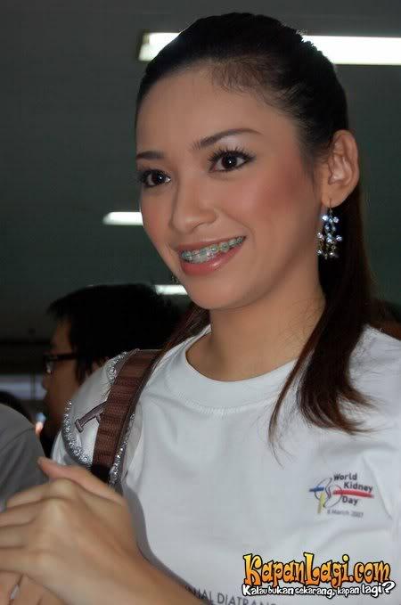 Miss Indonesia Hot 2006 Agni Pratistha Arkadewi Kuswardono