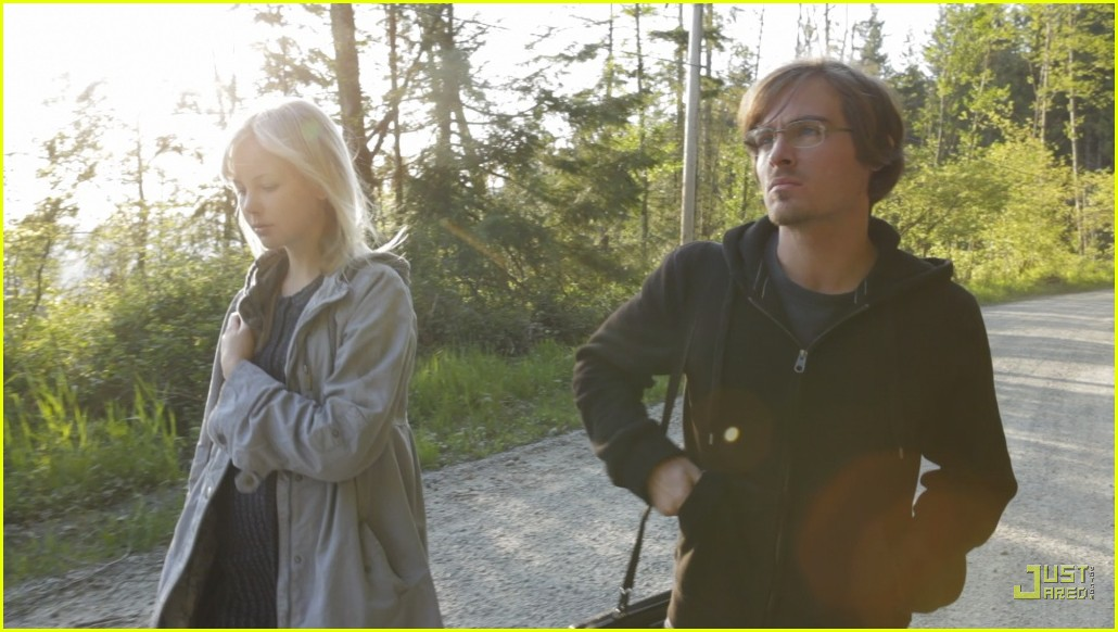 First Look : Kevin Zegers and Adelaide Clemens in Vampire