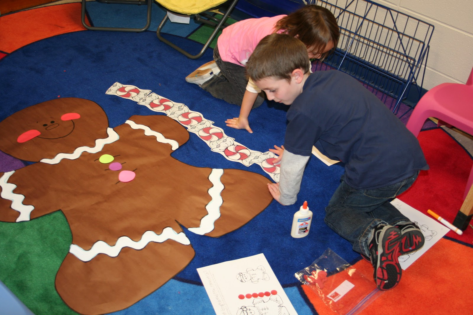 Mrs lee 39 s kindergarten gingerbread activities and centers for Gingerbread crafts for kindergarten