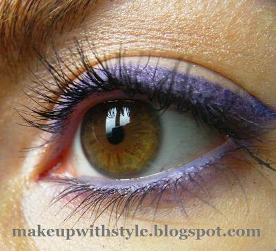 MAC Fluidline makeup