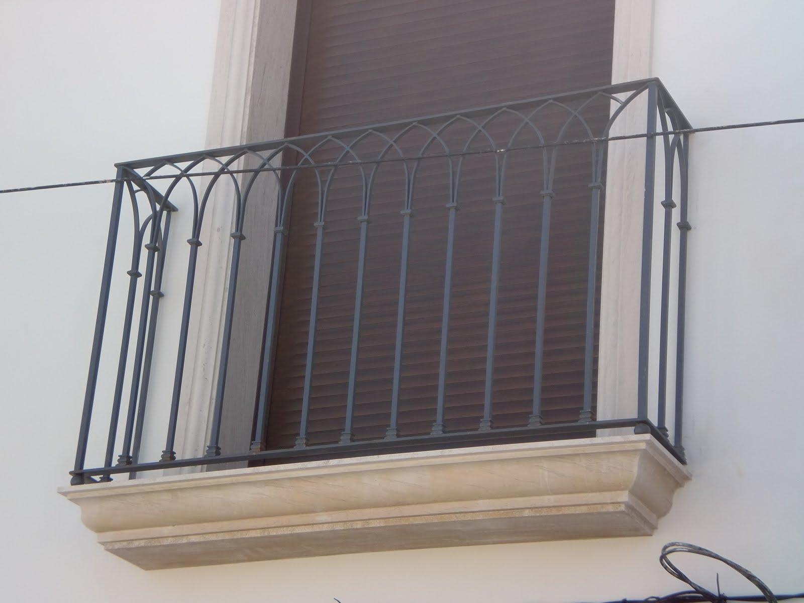 Inoxidablesyforja ventanas y balcon de dise o gotico for Ventana balcon medidas