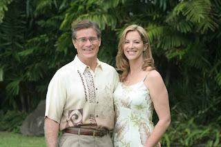 http://2.bp.blogspot.com/_-HE1lR1mlb8/TDlR_76_g3I/AAAAAAAACtY/dPYOBmCgz6o/s1600/quentinK_kingqueen_hawaii.jpg