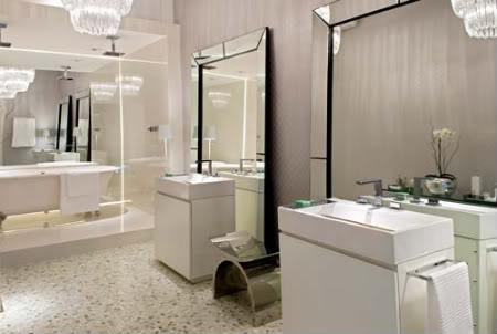 fotos de banheiros decorados pequenos