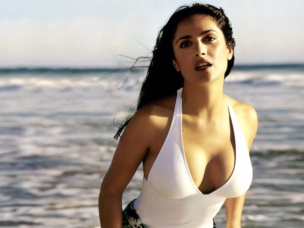 Salma Hayek Sexy Photos on Mexican Contemporary Style House