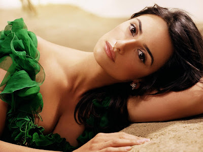 Penelope Cruz Hot Wallpapers