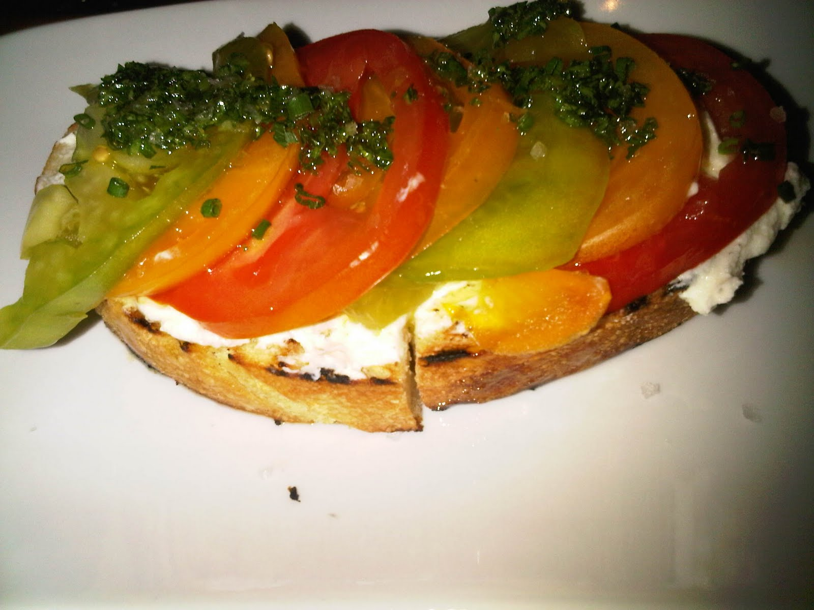 http://2.bp.blogspot.com/_-Idh_zVB7A8/TIo4vaskHII/AAAAAAAADAw/4rV75B-2Vh8/s1600/tomato.JPG