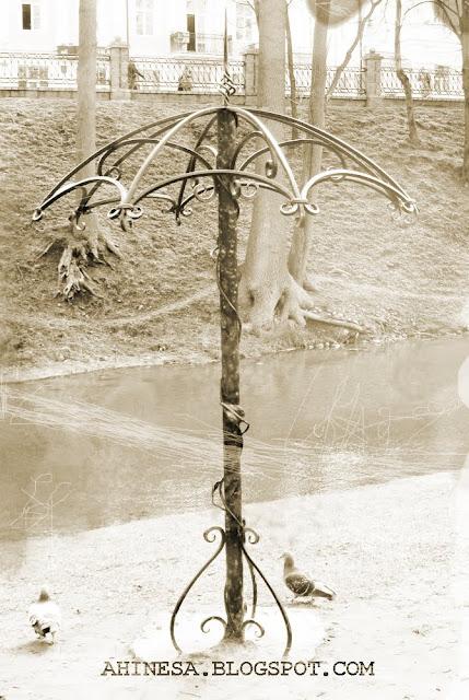 старый зонт, зонтик, кованный зонт