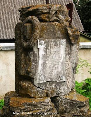 необычные старинные надгробия, кладбище в Гродно