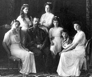 external image 300px-Russian_Royal_Family_1911_720px.jpg