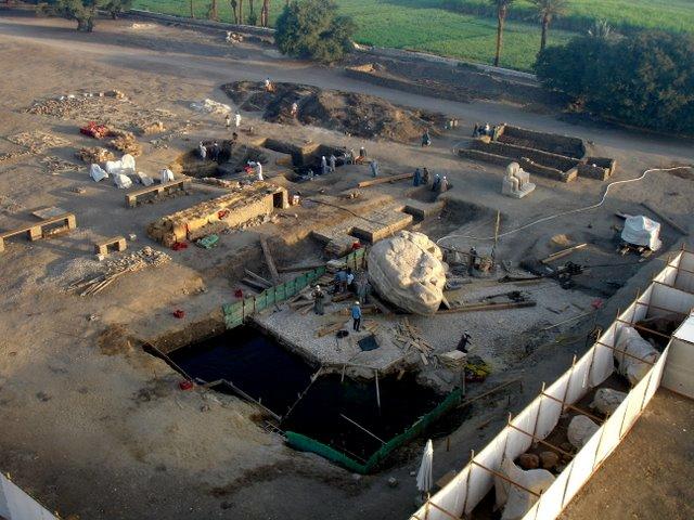 excavaciones en Templo de Amenotep III,