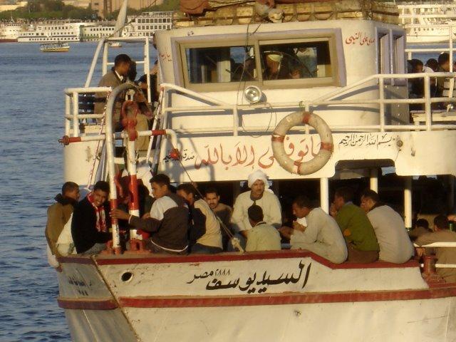 Ferry Luxor.