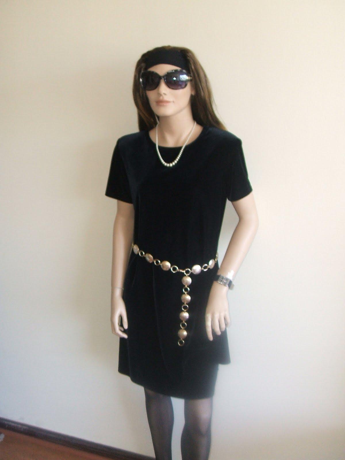 Vestidos negro con cinturon dorado