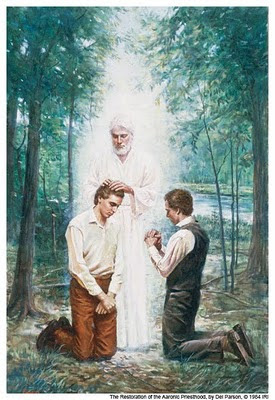La autoridad del sacerdocio fue restaurada por mensajeros celestiales.