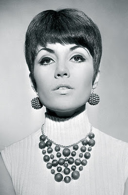 Woman and Men Hair Style: Women Mod Hairstyles 60s Fashion
