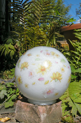 DIY Garden Gazing Ball, Handmade Garden Decor, Garden Crafts border=