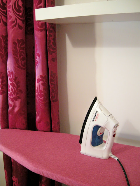 DIY Ironing Board Cover, Fabric Ironing Board Cover, Sew an Ironing Board Cover, easy Ironing board cover