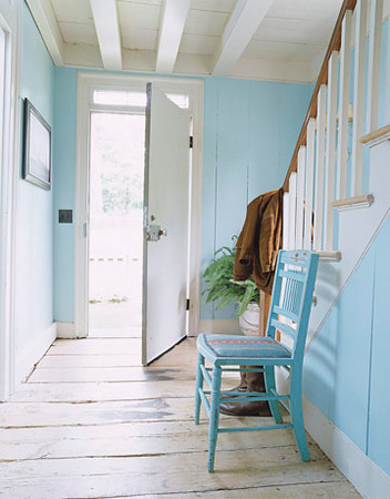 [house+beautiful+teal+chair.jpg]