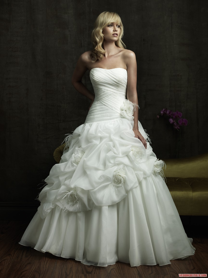 White Wedding Dresses For  : So i can t understand why white wedding dresses are classic