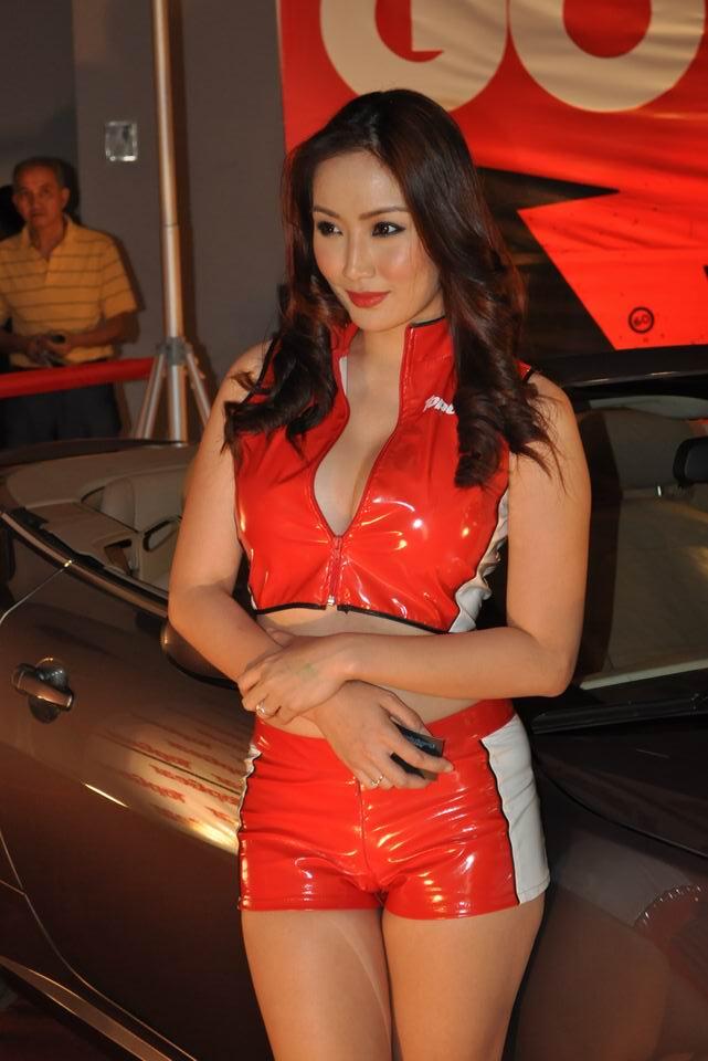 Hottie PAULENE SO in CAR SHOW 2010 World Trade Center ...