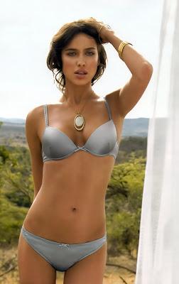 Irina Sheik in bikini