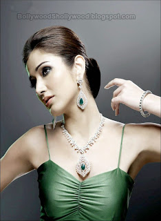 Navina Southside Actress