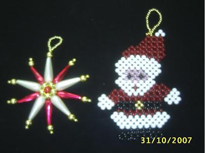 adornos con forma de estrella de Belen, y Papa Noel; perfectos para colocar en cualquier ambiente de la casa en esta navidad.